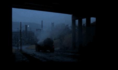 Figure 13 - Michael Cimino, The Deer Hunter (1978) première scène: descente aux enfers diégétique et esthétique.