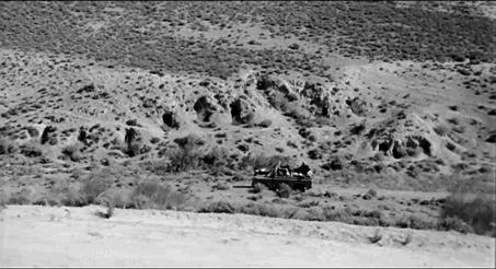 Figure 14 - Carlos Saura, La Caza (1966): un terrain de chasse cryptique, espace criblé du traumatisme et de la mémoire.